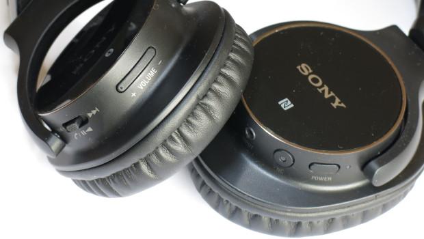 SONY MDR-ZX750BNBBluetooth